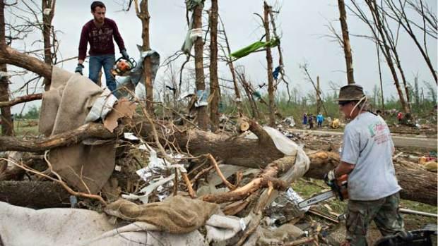 Video: Crece número de muertos tras tornados