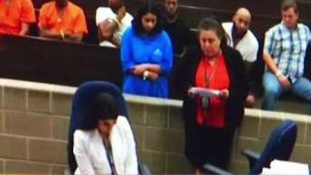 [TLMD - Houston] En corte madre que ocultó a su hija muerta en un clóset
