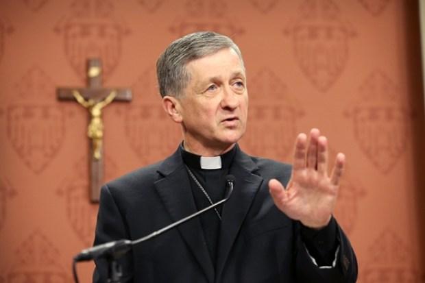 Video: Nuevo arzobispo se dirige a inmigrantes