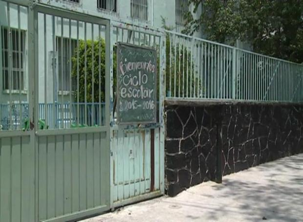 México reinicia clases entre tensiones