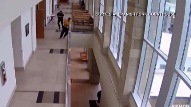 [TLMD - MIA] Acusado se lanza al vacío durante audiencia en la corte