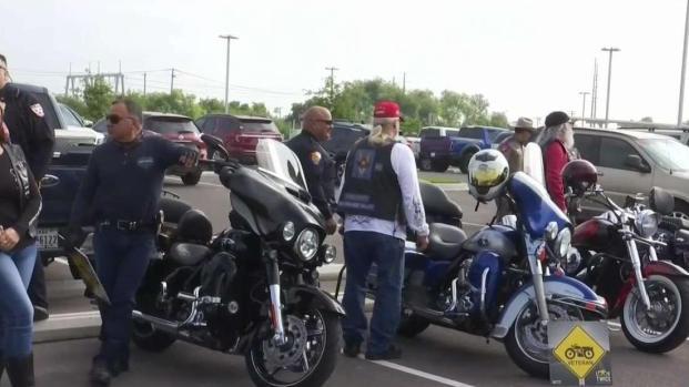 """[TLMD - McAllen] """"Mire dos veces y comparta el camino"""": campaña contra accidentes de motociclistas"""