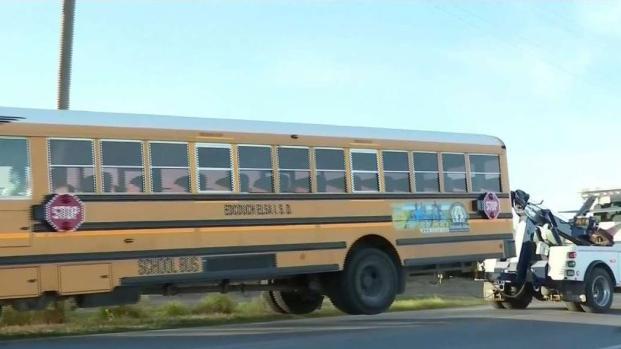 [TLMD - McAllen] Susto y tensión por choque de un autobús escolar