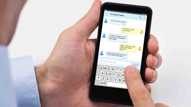 [TLMD - LV] Alertan sobre supuesta nueva táctica de ICE: extraños mensajes de texto