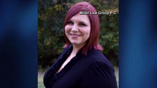 Identifican a mujer que murió enfrentando el odio racial