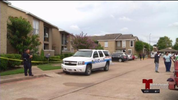 Joven de Houston muere de disparo mientras tomaba selfie