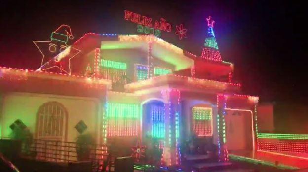 """[TLMD - NATL] Al ritmo de """"Despacito"""" brilla casa sin luz en Puerto Rico"""