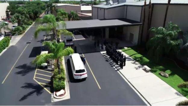 Servicio religioso y cortejo fúnebre de oficial Espericueta