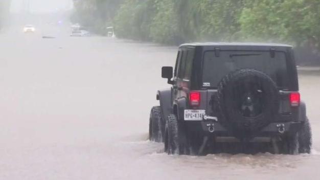 Adquiera un seguro de inundaciones con tiempo.