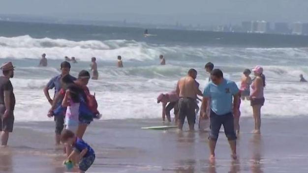 """Joven contrae bacteria """"comecarne"""" en playa de Florida"""