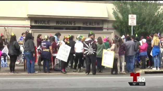 Surge debate sobre aborto en aniversario de Roe vs. Wade