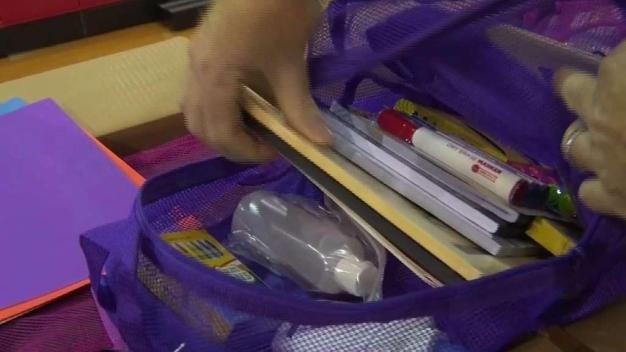 Entregan más de 400 mochilas en Peñitas