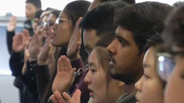 Gobierno del Presidente Trump prevé cambios en examen de ciudadanía