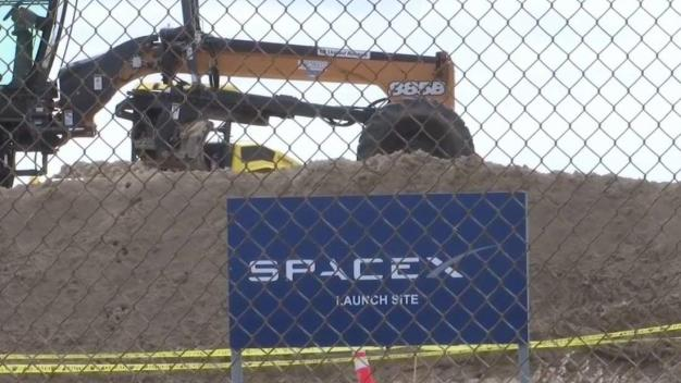 Restringen vuelos comerciales por lanzamiento de SpaceX