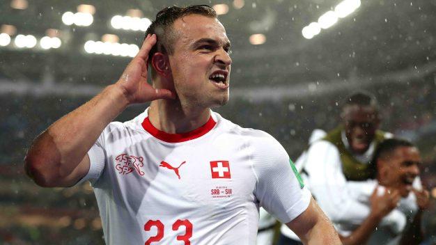 Suiza le gana 2-1 a Serbia con una remontada heroica