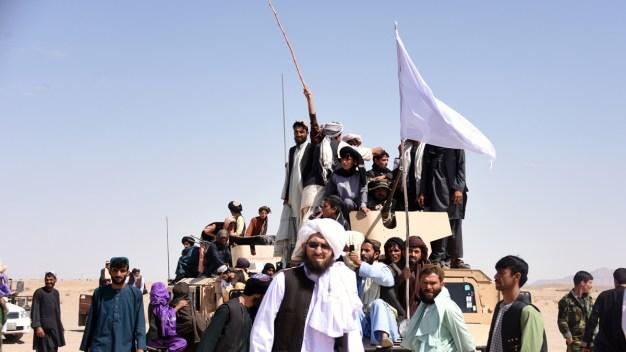 Los talibanes liberan a dos rehenes capturados en el 2016