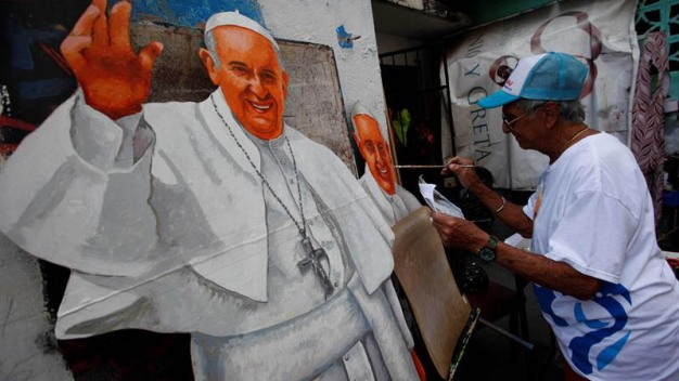 Abuelo de 82 pinta retrato gigante del papa Francisco