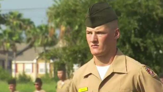 Cadetes se gradúan de entrenamiento militar