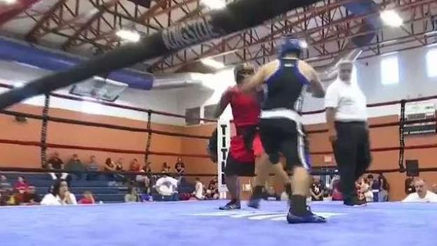 Cómo el boxeo brinda esperanza a familias migrantes