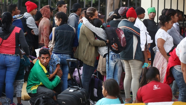 Trump critica a México por no detener a nueva caravana