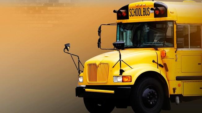 Autobús del distrito escolar de La Joya se prende en fuego