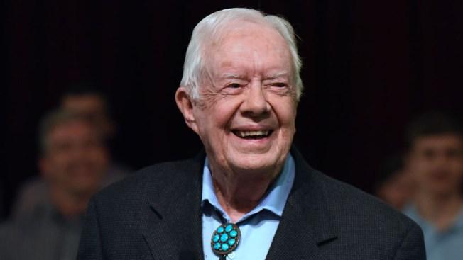 Expresidente Carter es dado de alta tras infección urinaria