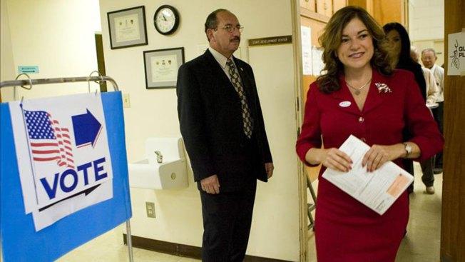 Sánchez busca ser primera latina en el Senado