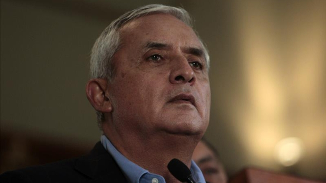 Ordenan detención del presidente de Guatemala