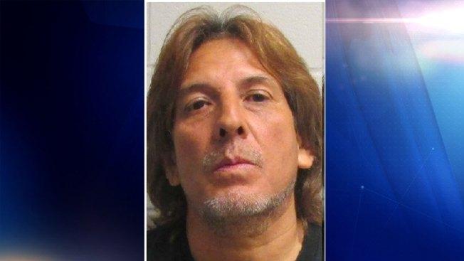 Hombre es acusado de agredir mujer