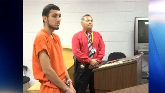Joven es acusado de robar autos