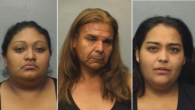 Acusan a tres personas de prostitución