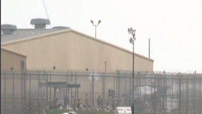 Casi mil presos ya están fuera de la cárcel de Willacy