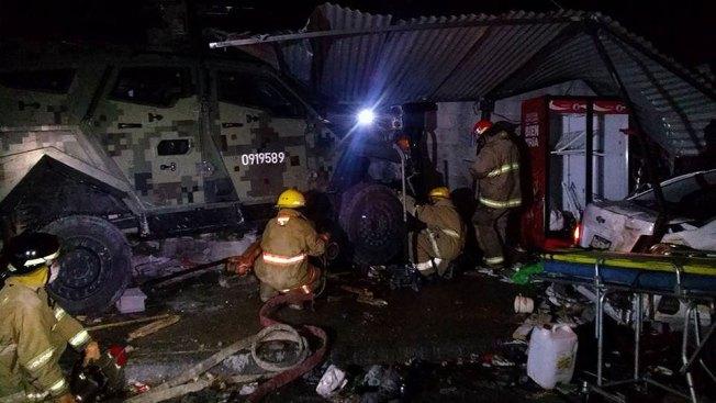 Vehículo militar choca y mueren cuatro personas en Reynosa