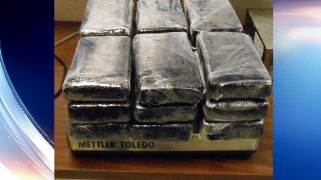 Arrestan a joven con $355,000 en cocaína