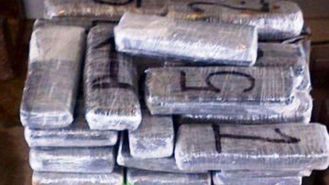 Confiscan más de un millón de dólares en cocaína