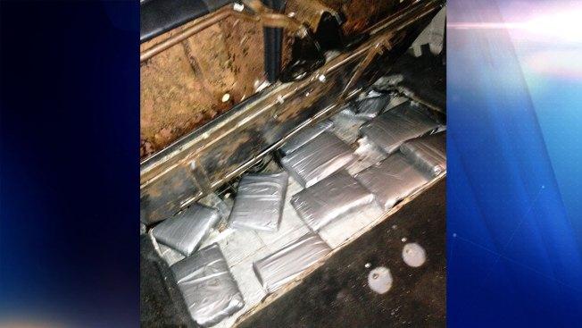 Hallan 13 kilos de cocaína dentro de carro