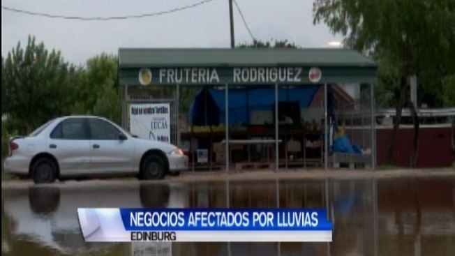 Comerciantes afectados por inundaciones