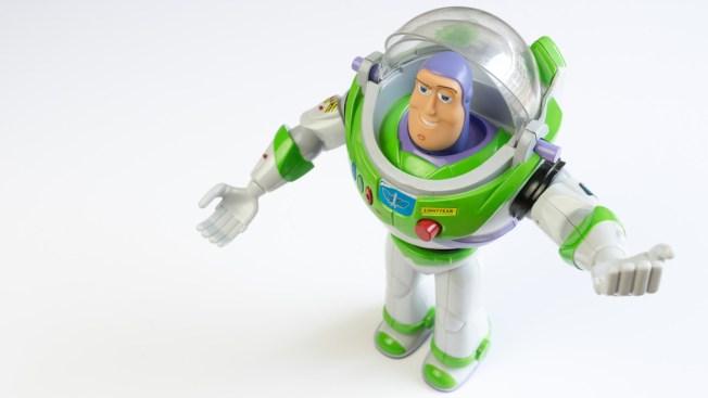 TSA confisca un Buzz Lightyear a niño de cinco años