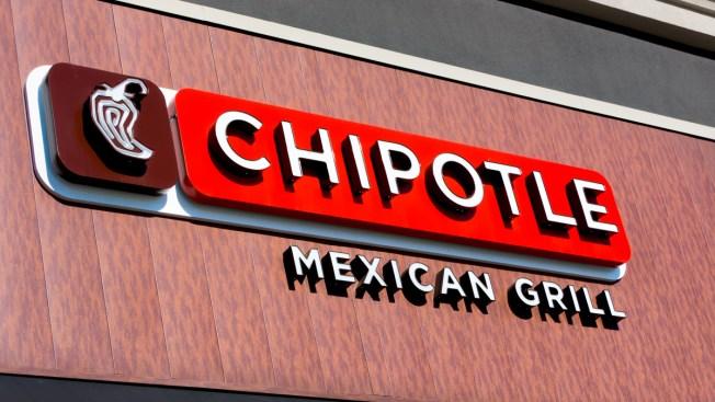 Chipotle cierra restaurantes por brote de E. coli