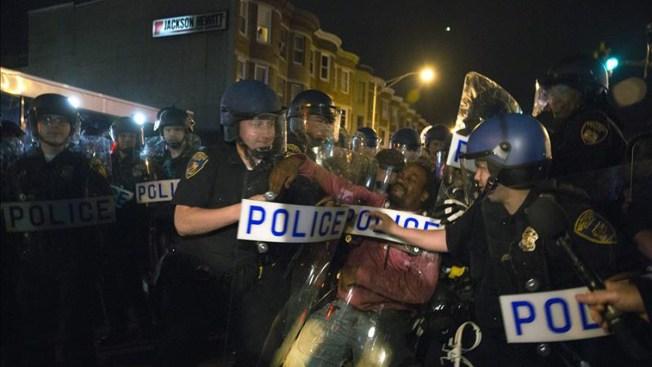 Arrestan a más de 70 en protestas en Cleveland