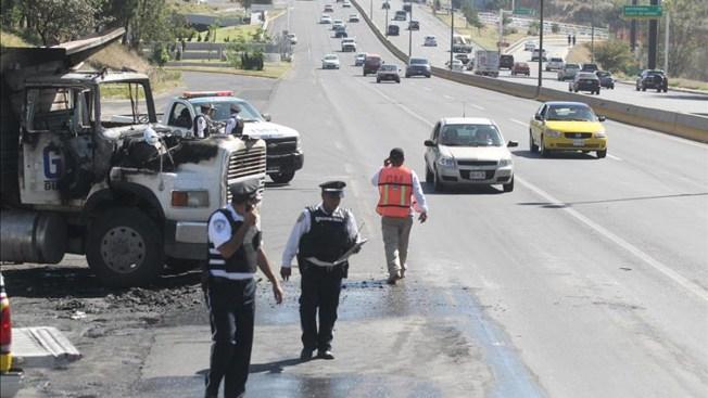 Jalisco: narcobloqueos dejan muertos y heridos