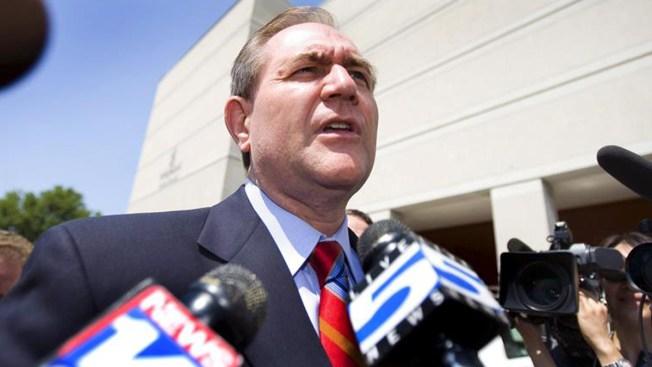 Jim Gilmore lanza precandidatura republicana