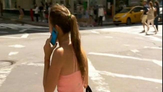 Crecen muertes de distraídos por el celular