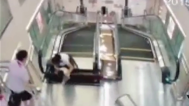 Furia por muerte de mujer en escalera eléctrica