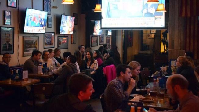 Bares de Washington viven elecciones como si fuera la final del Mundial