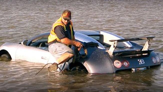 Reconoce haber lanzado Bugatti al mar