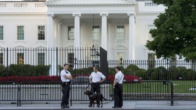 Tres cargos al intruso de la Casa Blanca
