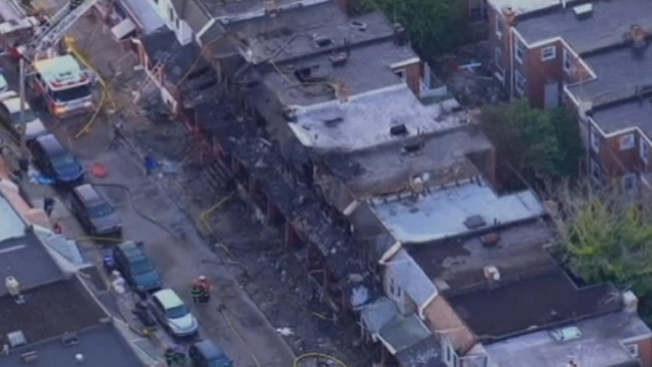 Niños mueren por incendio en Filadelfia