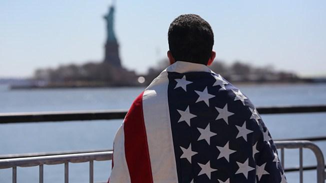 Miles de inmigrantes aún sin presentarse