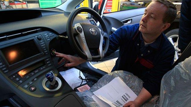 Toyota: Miles de camionetas a revisión